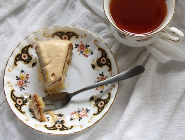 guave cake slice with tea